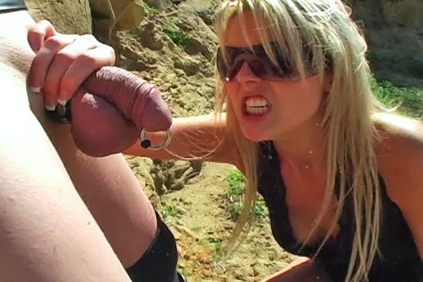 Wang mangler 0. Shayne Ryder gets nasty abusing her slaves dick