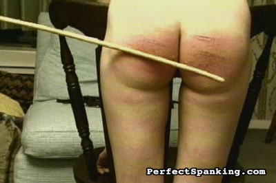 Chunky spank ass2. Plumper getrs her great anus spank