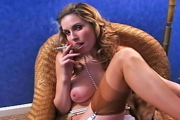 Pure smoking luxury. Penthouse pet Jamie Lynn loves rubbing her perfect tits and cloaking herself in a cloud of smoke