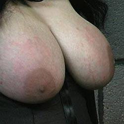 Considerable bosom tortured0  master len loves to tortured women with massive boobs and takes full advantage of his new slaves buxom boobs. Master Len loves to torment women with hard breasts and takes full advantage of his new slaves buxom, breasts.