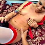 Valentines trouble0. Slutty tramp gives her date a facefull of her analy on Valentines day
