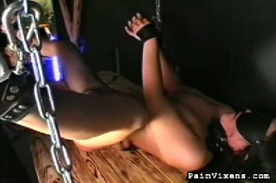 Cunt whipped. Heidis pussy is punished with a fearsome horse whip