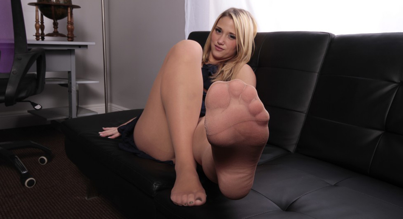 Employee of the month foot job 16. Whenever Shelby Paige announces Employee of the Month, they can expect the best foot job they'll ever get. No wonder why the guys are working so hard.